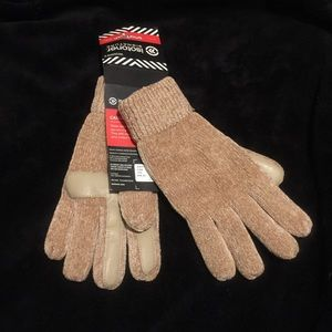 Isotoner SmartTouch Camel Women Signature Gloves